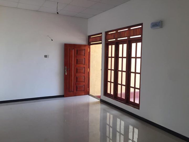 House for sale in brandiyawatte wellampitiya
