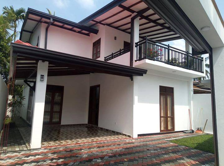 modern houses for sale  in malabe