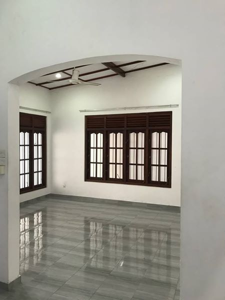 3 bedroom house close to athurugiriya highway entrance for sale