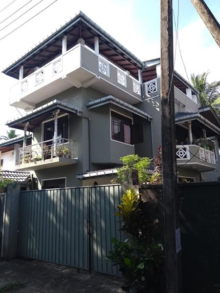 3 storey house for sale in tire handiya, kotikawatte