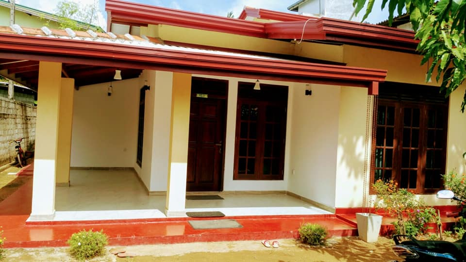 Moratuwa Katubedah 3 Rooms Newly Built in 11P Solid House for Sale