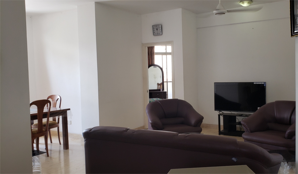 Three Bed Room Apartment for Sale at Wellawatta on Land side with Deed