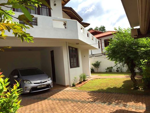 House for Sale in Thalawathugoda Contact