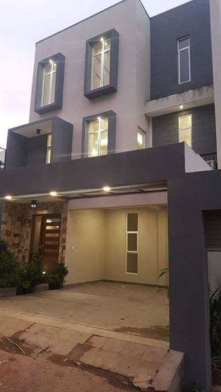 Two Brand New Luxury Houses For Sale!