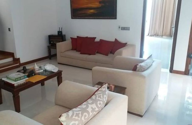 House for sale in kalubowila school lane