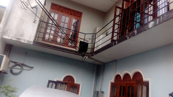 2 Units 2 Upstairs House for Sale in Kawdana,Dehiwela