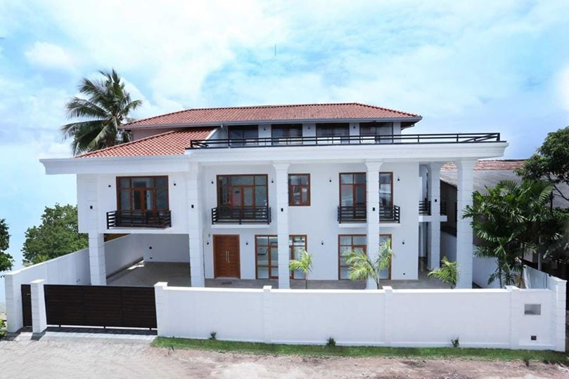 Brand New Luxury House for rent in wellawata