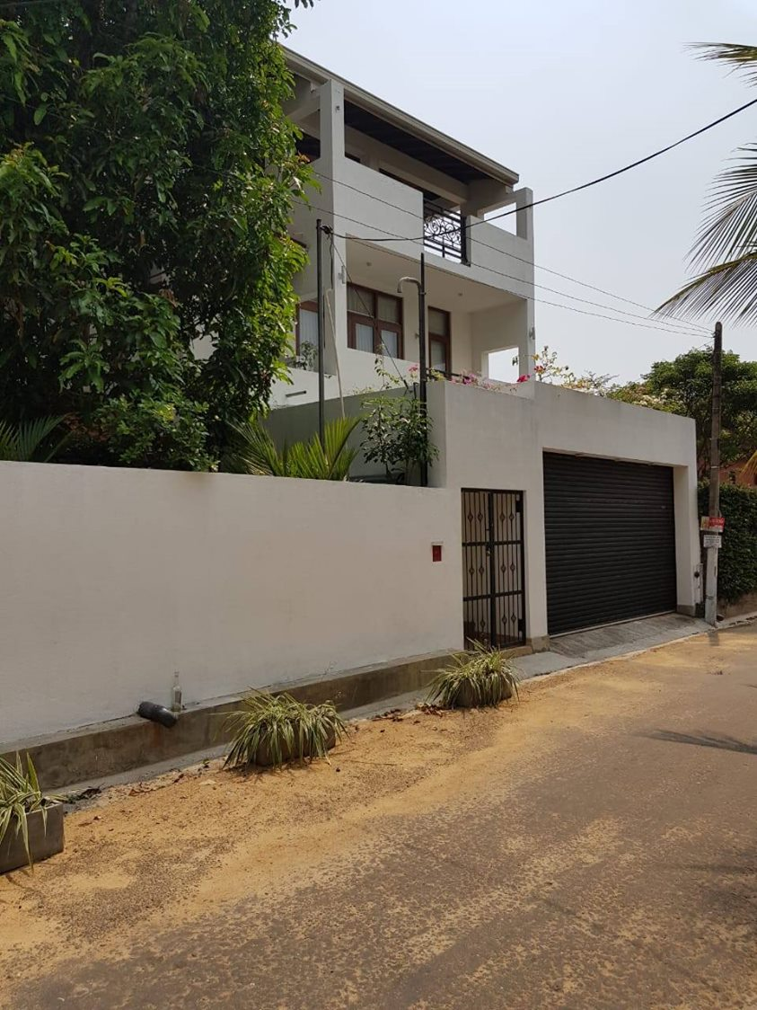 House for sale in Thalaheena - Malabe