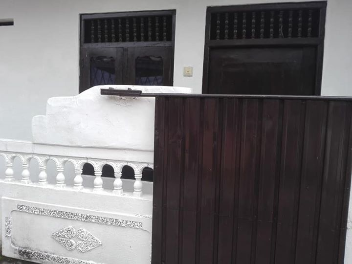 Small house for sale in Mount lavinia