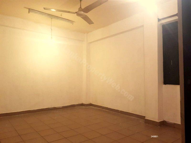 2 Bedroom Apartment for Rent in Colombo 06