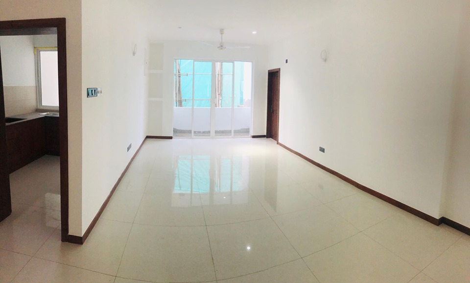 Brand New sea view apartment for immediate sale in Bambalapitya...!