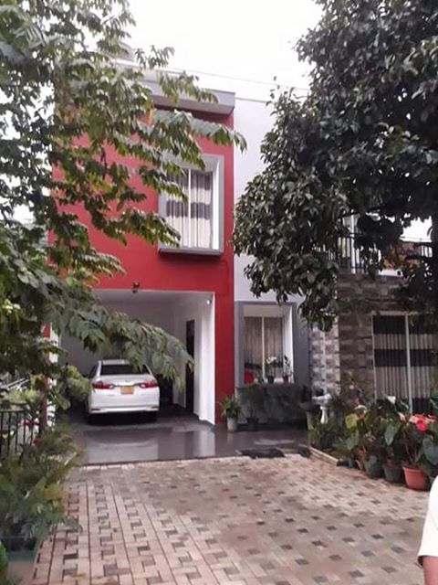 House For Sale in Kandy Halloluwa With Furniture.