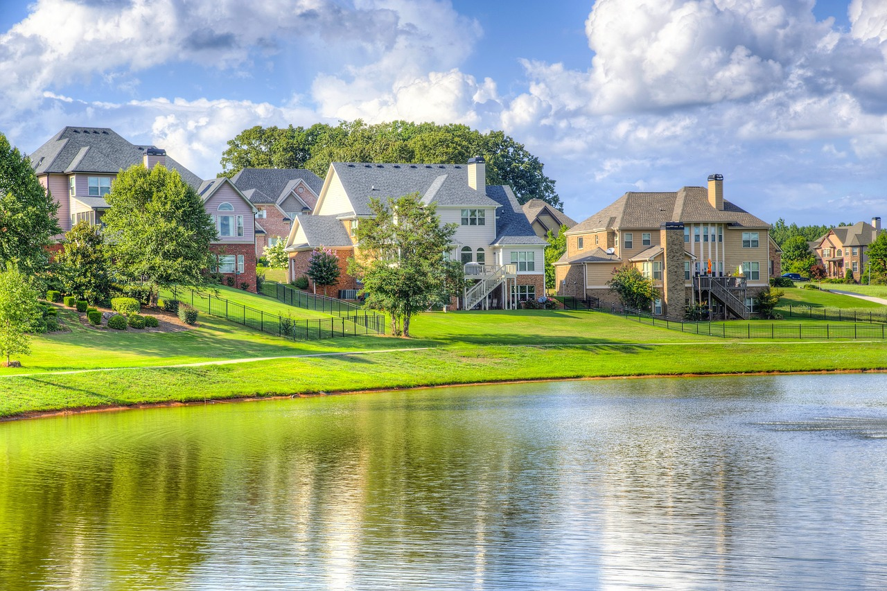 beautiful-neighbourhood-lovely-houses